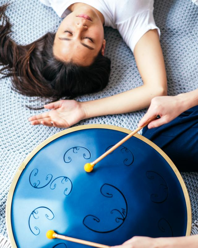 Sound therapy and sound healing with the RAV Vast: the review by professional sound therapist
